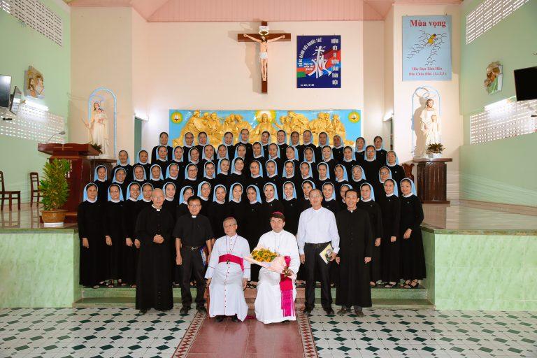Giáo Phận Cần Thơ và Hội Dòng Con Đức Mẹ Cần Thơ chào Đón Đức Tổng Giám Mục Marek Zalewski